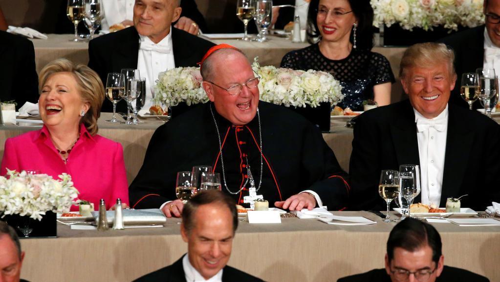 Les deux candidats à la Maison Blanche ont mangé à la même table lors d'un dîner de charité organisé au Walforf Astoria sous le patronage de l'archevêque de New Yor